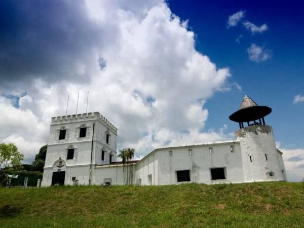 Kubu Margherita terletak di Kuching, Sarawak ini telah siap dibina pada tahun 1879 oleh Sir Charles Brooke/